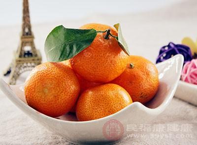 橘子皮也能够美白我们的牙齿