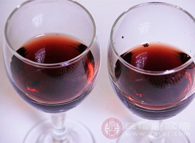 红酒还具有促消化开胃的作用