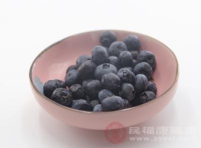 蓝莓中含有的花青素非常高