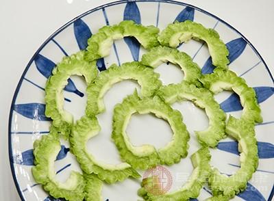 苦瓜的功效 常吃这种蔬菜能美容皮肤