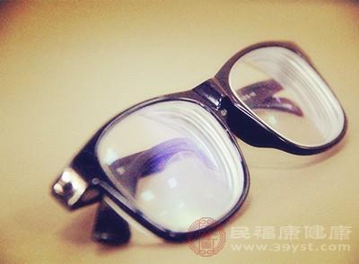 怎样挑选眼镜 教你正确选择眼镜的方法