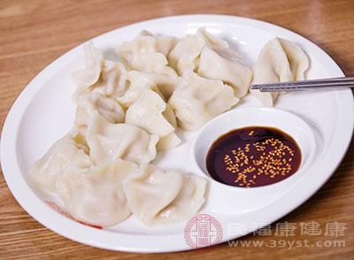 水饺是我们的特色食物之一,不少国人都对它情有独钟