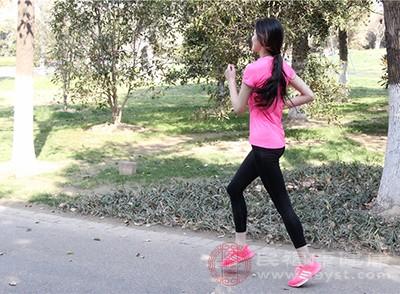 运动是一种治疗和乙方抑郁症非常好的方式