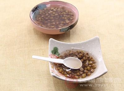吃綠豆具有解暑的作用