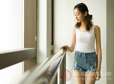 女性月经初潮延迟、月经稀发或过早停经(40岁以前)都标志着卵巢功能的低下