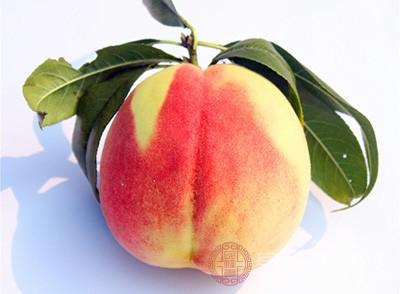 桃子不能和白酒一起吃