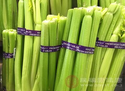 芹菜根和芹菜的茎一样都含有天然的降血压的物质