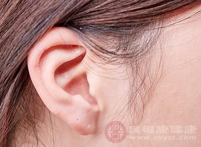 耳朵嗡嗡响是怎么回事 当心是这病引起