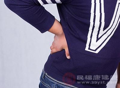 阳虚时会伴有一些腰酸背痛的现象