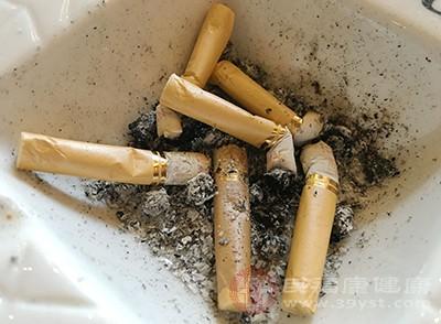 吸烟的时候,人体的血管很容易会发生痉挛