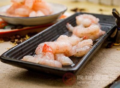 油焖大虾的做法 原来吃虾有这么多注意事项