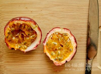 百香果中含有丰富的超纤维