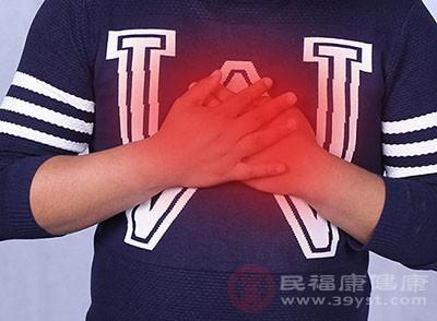胸口中间疼是怎么回事