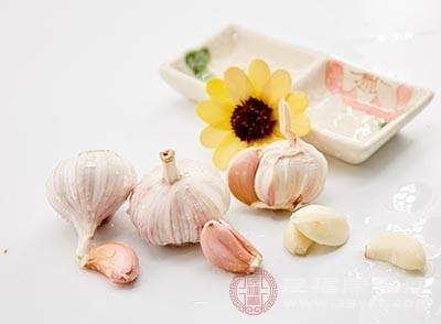 大蒜可以起到杀菌和抗病毒的作用
