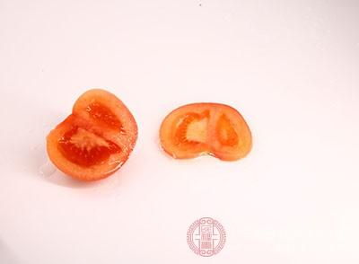 西红柿的功能 常吃这类食品可以预防高血压