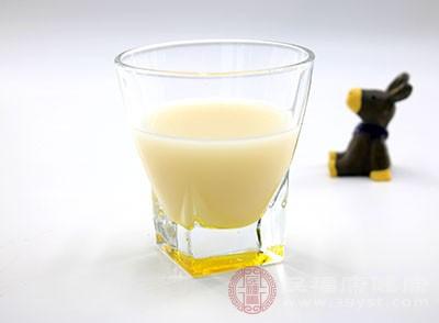 豆浆的功效 常喝这种饮品帮你润肤养颜