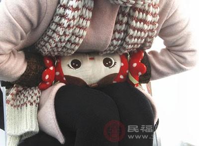 月经不调的原因 贪凉受寒会引起这个症状