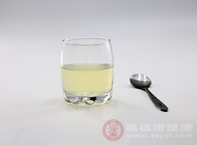 柠檬具有生津止渴的功效
