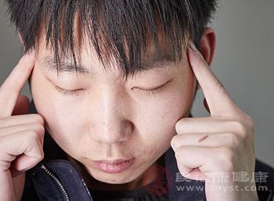 颈椎病的症状 有了这4种症状要小心