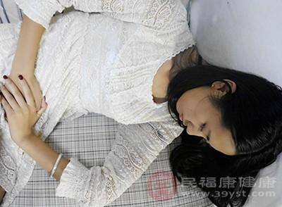 女人腹痛的原因 身体有炎症会引起这个症状