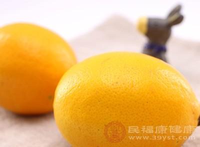柠檬虽然具有很强的VC,但是刺激性也是相当的强