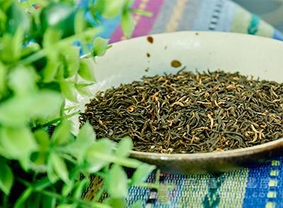 红茶还具有防龋、健胃整肠助消化、延缓老化、降血糖、降血压、降血脂、抗癌、抗辐射等功效