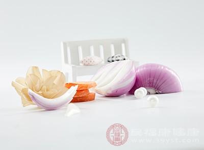 生活中多吃一点洋葱可以帮助我们有效的预防癌症的出现