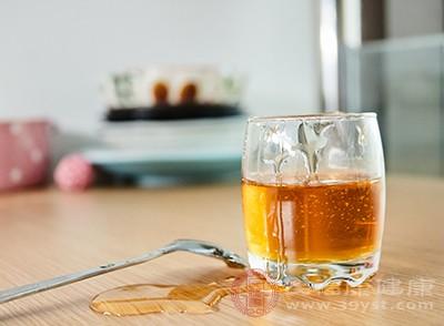 蜂蜜的功效 想不到这种食物能够润肺止咳
