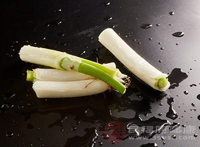 生活中多吃一點大蔥能夠有效的預防疾病出現