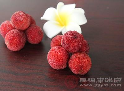 杨梅的功效 常吃这种水果帮助身体消化食物