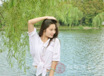 在北京地♀区,夏至日白昼可长达15小时