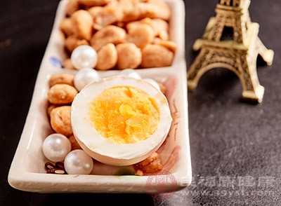 鸡蛋的功效 多吃这种食物对眼睛很好