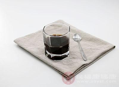 嗜好辣椒、浓茶、咖啡等刺激性食物