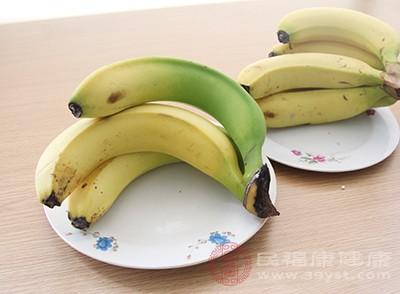 香蕉含钾量丰富,可提供较多的能降低血压的钾离子