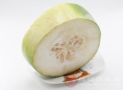 冬瓜中含有丰富的维生素A、维生素C、胡萝卜素