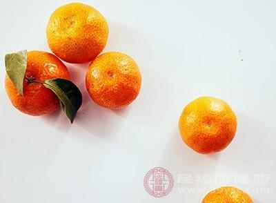 橘子中含有很高的胡萝卜素