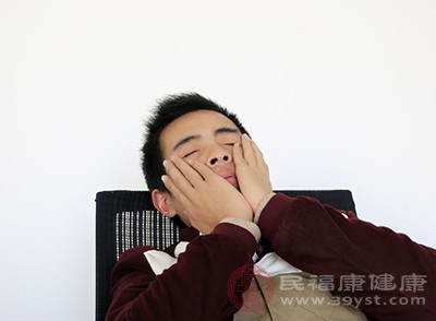 男人失眠怎么办 心理调节能够缓解这个症状