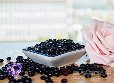 黑豆的好处吃这种食物可以起到补肾的作用