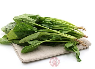 菠菜中含有维生素E、硒等天然抗氧化成分