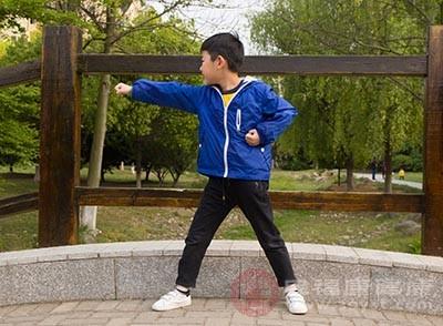 孩子抵抗力差怎么办 经常运动改善这个问题