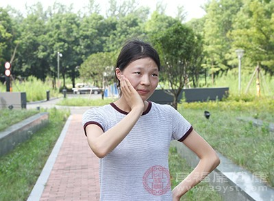 牙痛怎么办 盐水漱口能够缓解这个症状