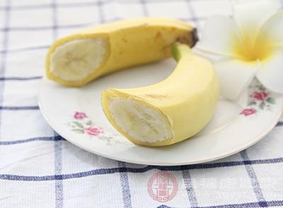 香蕉皮中含有蕉皮素,它可以抑制细菌和真菌滋生