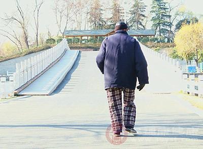 老年痴呆的症状 老人视力改变可能是得了这个病