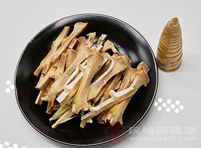 竹筍與糖漿一起食用,會引起中毒反應