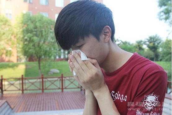 咳嗽出血是什么原因造成的