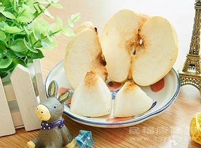 饮食上要清淡多吃梨
