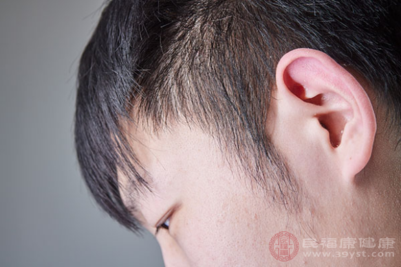 脂溢性皮炎是在臨床當中較為多見的皮膚疾病