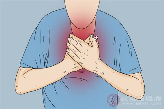 胸悶氣短的原因包括貧血、血糖過低和體溫升高等