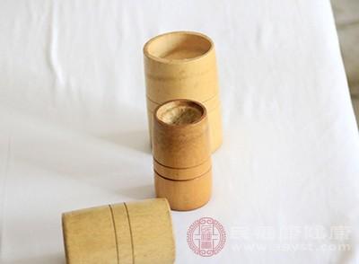 拔罐是中医里面很常见的治病方法
