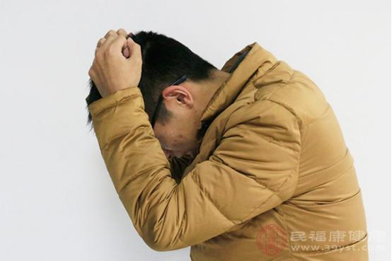 頭痛是較為常見的不適癥狀,一般引起該癥狀的原因有生理因素和病理因素兩種